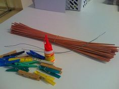 Môj postup na srdiečko 1 Newspaper Crafts, Origami, Outdoor Decor, Diy, Home Decor, Paper Straws, Paper Mache, Hearts, Crafts