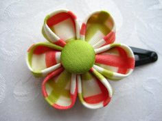 Such a cute hair clip.