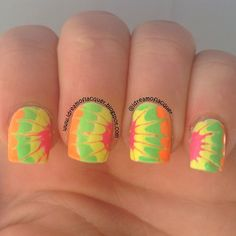By Tabitha Bonnell. Drag Marble Mani using acrylic paint. Love Nails, Fun Nails, Pretty Nails, Best Nail Art Designs, Toe Designs, Tie Dye Nails, Nail Mania, Classic Nails, Nail Patterns