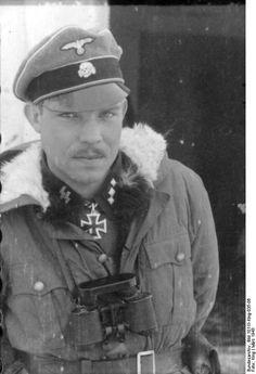 """Battlefield portrait of Oberscharführer der Waffen-SS Hermann Dahlke, Kp.Truppführer , 3./SS-Pz.G.R., 1.SS-Panzer-Division """"Leibstandarte Adolf Hitler"""", Kharkov, Russia, March 3, 1943."""