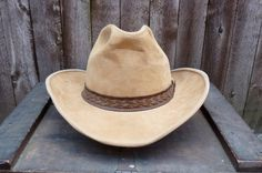 7ae0ade55bc45 Vintage 1970s Suede Cowboy Hat - 70s Tan Cowboy Hat - London Fog - Leather Cowboy  Hat - Safari Hat -The Outback - Size L-7 1 4- 7 3 4.  57.00