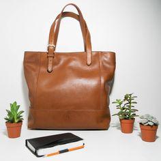 Etsy - Achetez des cadeaux faits main, vintage, personnalisés et uniques  pour tout le monde. Cuir De VachetteSac ... be42dcf4cf3