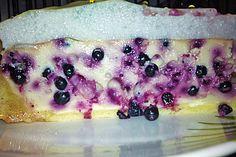 Aromatischer Käsekuchen mit Holunderbeeren und leichter Baiser-Schicht