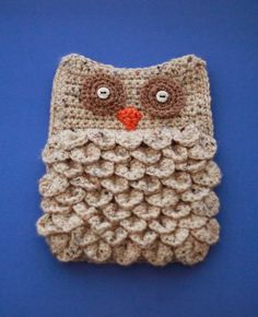 Tutorial for crocheted owl tablet case. Uses crocodile stitch. Crochet Owls, Crochet Cross, Crochet Stitches, Knit Crochet, Crochet Patterns, Crocheted Animals, Single Crochet Stitch, Double Crochet, Crochet Tablet Cover