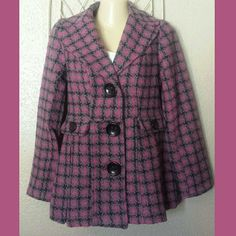 """WOOL BLEND HOUNDSTOOTH COAT Full lined houndstooth Pink Lattice coat Has a tint of pink, greens, & grays  Round neck notched collar Three large buttons closures down the  center This wool blend jacket has faux pocket with decorative buttons/ big button detail on sleeves also Princess seams/ pleated detail on the front  Lower back has lapel with decorative button at the edge, and pleated detail at the bottom  HPS to hem measures 27"""" long 80% Polyester /10% Rayon/ 10% Wool lining:100%Polyester…"""