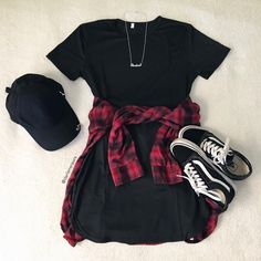 Flatlay photography is the best. I love this plaid shirt outfit. It is the perfect black dress outfit. It has vans, plaid shirt, black dress, and a black cap. The perfect chill vans outfit. Cute Summer Outfits, Cute Casual Outfits, Stylish Outfits, Spring Outfits, Casual Summer, Summer Dresses, Style Summer, Dress Casual, Maxi Dresses