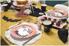 Mesa café da tarde para o Halloween Halloween, Birthday Cake, Table Decorations, Desserts, Food, Home Decor, Candy Table, Embellishments, Mesas