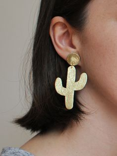Handmade gold leather cactus earrings by BenuShop on Etsy