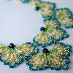 Assza& Jewelry Beading Patterns and Tutorials por AsszaBeadingArts Bead Embroidery Patterns, Beaded Jewelry Patterns, Hand Embroidery Designs, Beaded Embroidery, Beading Patterns, Beading Jewelry, Jewelry Making Tutorials, Jewelry Making Beads, I Love Jewelry