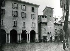 Piazza della Mercanzia all'inizio del Novecento.  Archivio Ferri/Roversi  via bologna.repubblica.it