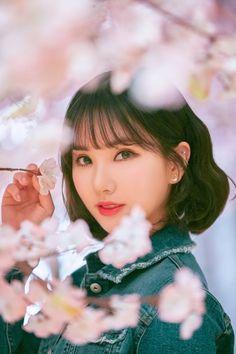 Kpop Girl Groups, Korean Girl Groups, Kpop Girls, Sunrise Music, Sunrise Sunrise, Gfriend Album, Korean Girl Band, Sunrise Painting, Jung Eun Bi