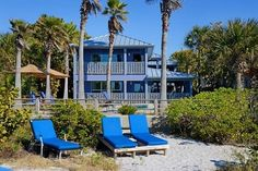 810 Gulfside Directly on the beach  810-2 Second Floor
