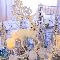 ❄️ WIshing you all a Merry Christmas from the teams at @LinenHero by Chair Covers and Linens! ❄️⠀⠀ ⠀⠀ ft: the Lexi in Seafoam table linen❄️