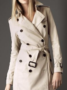 Le trench-coat beige Burberry par  naleeev Mode Femme Conseils, Manteau  Imperméable, 6a0e075e0f0