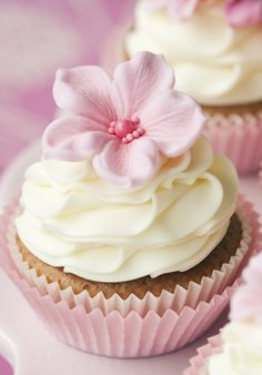 Pink Cupcakes every now and then at a party!   #GotItFree #3BiteMoment #TreatYourSelf