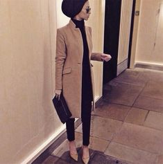 Arabic Style : Arabic Style : Hijab Fashion Classe et chic Hijab Fashion Hijab Fashion 2016, Modest Fashion, Look Fashion, Fashion Outfits, Winter Fashion, Fashion Clothes, Trendy Fashion, Fall Outfits, Islamic Fashion