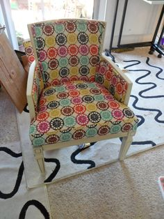 Re-upholstering Tutorial! CUTEST CHAIR EVER!