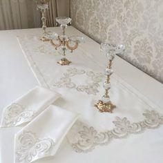 Wedding Venues, Wedding Day, Smokey Eye Makeup Tutorial, Wedding Rituals, Alternative Wedding, Table Runners, Wedding Colors, Real Weddings, Marie