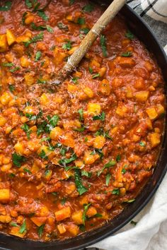 A hearty and filling vegetarian dinner with white beans and potatoes in a smokey, spicy tomato sauce. A perfect dinner when served over grains.