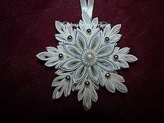 Dekorácie - Bielo-strieborna snehova vločka na stromček. ) - 4694806_