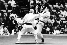 Shōtei age zuki Martial Arts, Wrestling, Age, Sports, Lucha Libre, Hs Sports, Combat Sport, Sport, Martial Art