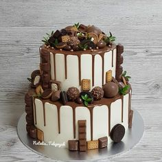 Candy Birthday Cakes, Pretty Birthday Cakes, Pretty Cakes, Dessert Recipes With Pictures, Cakes Plus, Easy Cake Decorating, Fancy Desserts, Crazy Cakes, Just Cakes