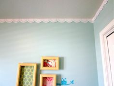 Paper doily border. LOVE. THIS.