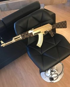 LouisVuitton Ak 47 🔫 Tag someone that needs to see this! Ak 47, Weapons Guns, Guns And Ammo, Louis Vuitton Tattoo, Iphone Wallpaper Video, Swag Outfits For Girls, Used Louis Vuitton, Military Guns, Gun Aesthetic