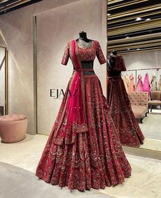 Latest Bridal Dresses, Indian Bridal Outfits, Indian Bridal Fashion, Pakistani Bridal Dresses, Indian Fashion Dresses, Indian Designer Outfits, Bridal Red Lehenga, Designer Anarkali Dresses, Designer Bridal Lehenga