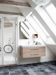 Image result for badkamer met schuine dak