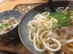 東名*大津SAで食べた近江牛湯葉あんかけうどん(//∇//)うまっ♡