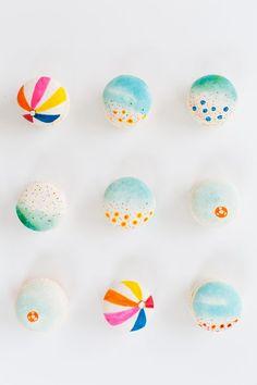 Beach ball macarons….eeeeee!!!!