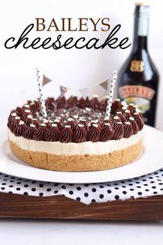 Sprinkles Dress: Baileys cheesecake - la cheesecake senza cottura p. Baileys Cheesecake, Chocolate Chip Cheesecake, Cheesecake Cupcakes, Cheesecake Bites, Pumpkin Cheesecake, Cheesecake Americana, Cheesecakes, Christmas Cheesecake, Flan