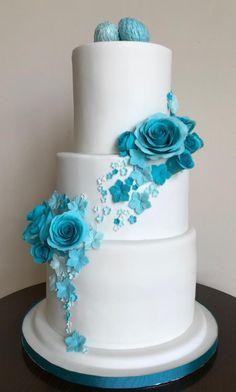 Turquoise wedding cake by Fondant Fantasies of Malvern - http://cakesdecor.com/cakes/304765-turquoise-wedding-cake
