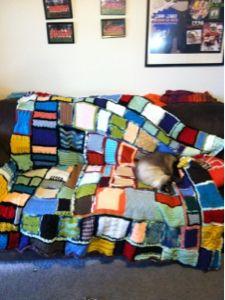 Mr Fuji, Free Knitting, Like Me, Crocheting, Knit Crochet, Crochet Patterns, Throw Pillows, Blanket, Cover