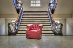 Mayo Furniture 8220L Leather Swivel - Edinburg Tanager Red