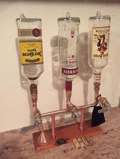 De drievoudige Whiskey/brouwwater Dispenser met flessen