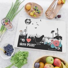 My HART skree plaas Cutting Board Summer Chicken, Cutting Board, Place Cards, Boards, Place Card Holders, Design, Products, Planks
