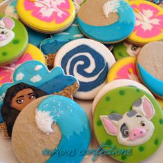 Moana sugar cookies - moana birthday party - piped with royal icing- Pua, Moana, waves, and hibiscus cookies. By Kathleen at curious confections in NJ.  Instagram: curious.confections