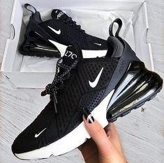 The post Die neuen Nike Air Max 270 Link zum Sho appeared first on beste Schuhe. Black Sneakers, Adidas Sneakers, Shoes Sneakers, Sneaker Outfits, Nike Air Force, Souliers Nike, Kicks Shoes, Nike Air Shoes, Mens Trainers