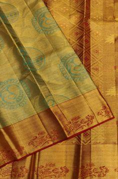 Shop more Handloom Kanjeevaram Saree at Luxurionworld. Gold Silk Saree, Pure Silk Sarees, Lakshmi Sarees, Kanchipuram Saree, Silk Sarees Online, New Art, Blouse Designs, Pure Products, Quilts