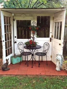 Great idea for using four old doors to create a nook in the backyard! - Great idea for using four old doors to create a nook in the backyard! Great idea for using four old doors to create a nook in the backyard! Outdoor Rooms, Outdoor Gardens, Outdoor Living, Outdoor Decor, Outdoor Sitting Areas, Outdoor Patios, Outdoor Retreat, Outdoor Sheds, Rustic Gardens