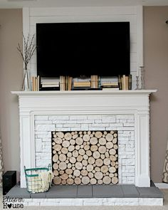 10 Passionate Simple Ideas: Fireplace Shelves Built In modern fireplace diy.Fireplace With Tv Living Room tv over fireplace cover. Tv Above Fireplace, Fireplace Doors, Cottage Fireplace, Fireplace Seating, Fireplace Bookshelves, Fake Fireplace, Fireplace Cover, Shiplap Fireplace, Fireplace Hearth