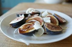10 Quick, Tasty Fig Recipes: Figs With Parmesan & Balsamic