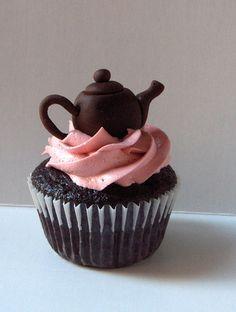 Teapot Cupcake | LUUUX