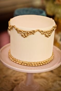 Pink wedding cake with gold detail. My favourite colours! | Sweet and Saucy - A Marie Antoinette wedding. ᘡղbᘠ