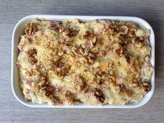 Witlofschotel met ham, kaas en walnoten.