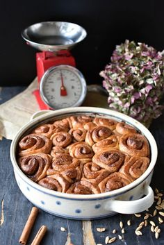 Švédská pochoutka: Skořicoví šneci – Bohyně kuchyně Sausage, Food And Drink, Sweets, Meat, Breakfast, Morning Coffee, Gummi Candy, Sausages, Candy