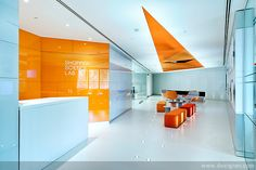 GlaxoSmithKline Human Performance Lab by Pope Wainwright London GlaxoSmithKline Shopper Science Lab by Pope Wainwright, London /love the triangle Cool Office Space, Office Space Design, Office Workspace, Office Interior Design, Interior Exterior, Gym Design, Retail Interior, School Design, House Design