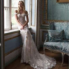 Pure elegance and sophistication of @lian_rokman is perfect for that #fairytale wedding. #LianRokman